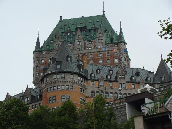 Old Quebec: Chateau Frontegnac
