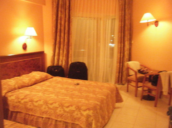 Hotel Saphir: Our Hotel room