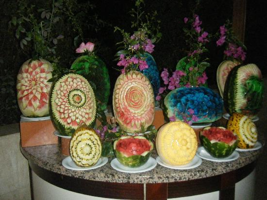 Hotel Saphir: Display of beautiful melons