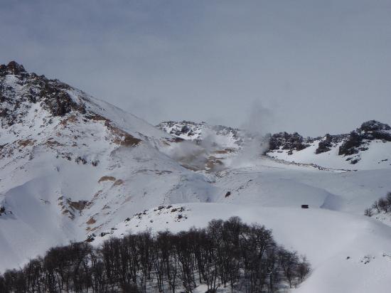 Chillan, Chili: dampfende Schwefellöcher