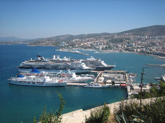 Seaview Suite Hotel: Kusadasi from the Ataturk statue