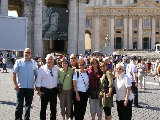 Access Italy Tours: Angelo and the Dotzauer Family at St. Peter's