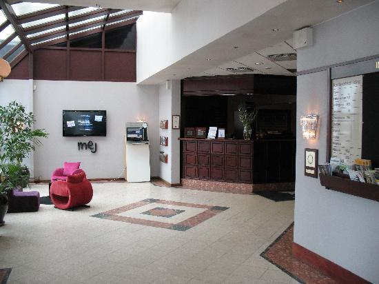 BEST WESTERN Royal Star: Lobby and reception
