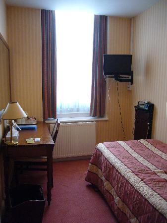 Diplomat Hotel: Eaton room (ground floor)