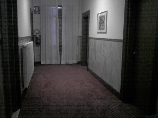 Hotel Terme Belvedere: Corridoio stanze