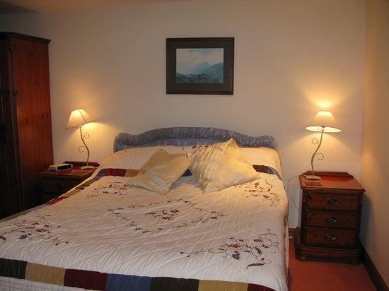 Burrow Hall: A beautiful comfy bed!