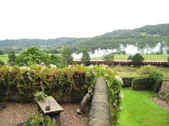 Holmefield Guesthouse: View of steam train from Holmefield