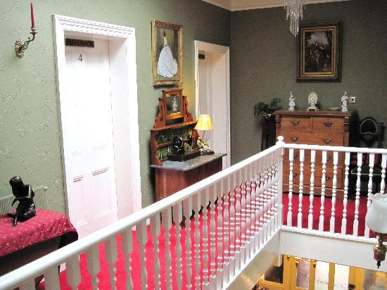 Holmefield Guesthouse: Landing in the main house