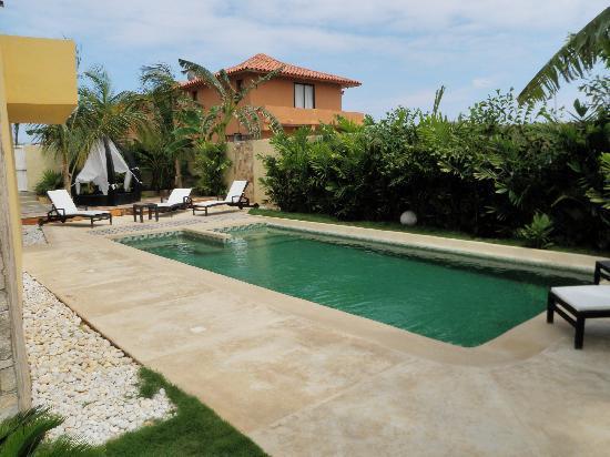 Posada Libert Hotel: Area de la piscina