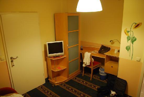 Hotel und Gaestehaus Will: room view 1