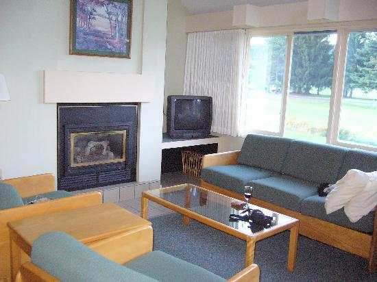 The Village Green at Stowe: living room