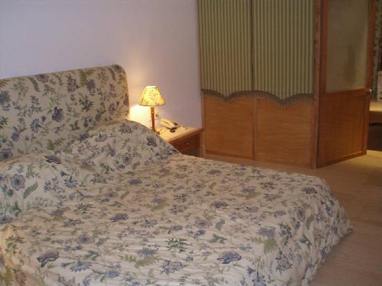 Mitsis Ramira Beach Hotel: ROOM