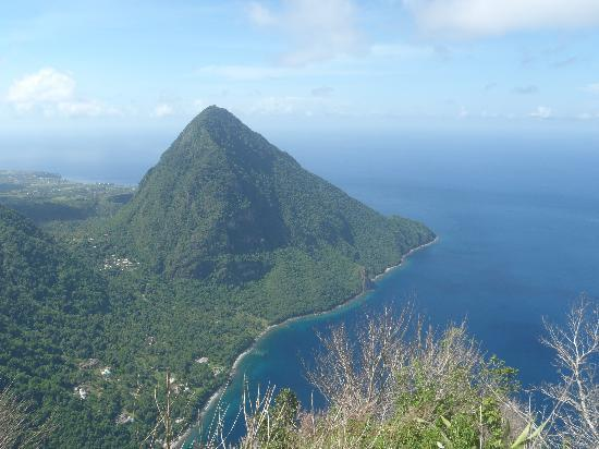 Pitons : A view of Gros Piton from the top of Petit Piton