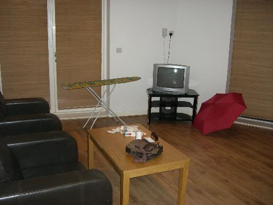 Herberton Apartments: Comedor