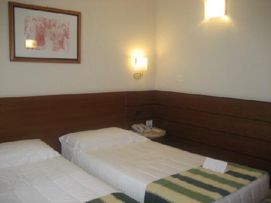 BEST WESTERN Hotel Mirage: yataklar