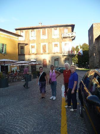 Nuovo Albergo Italia: Hotel Italia, Cafe Bar Castello, Ristorante Ca Stello