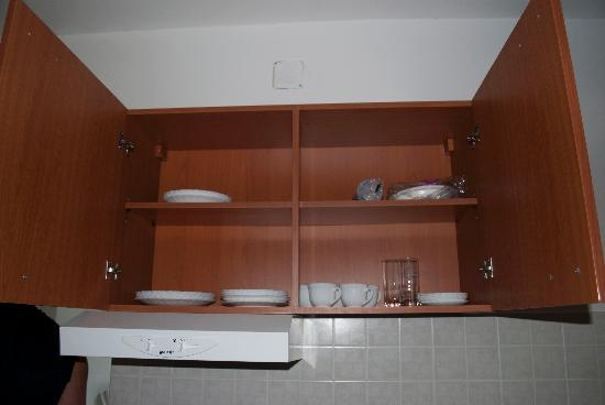 Villa Doris Apartments Stikovica: inside the cupboards
