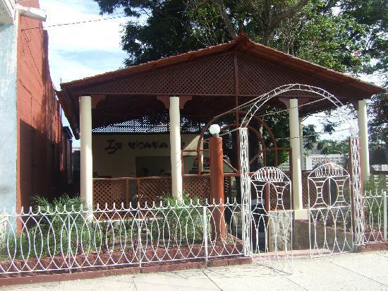 La Vicaria Restaurant, Banes