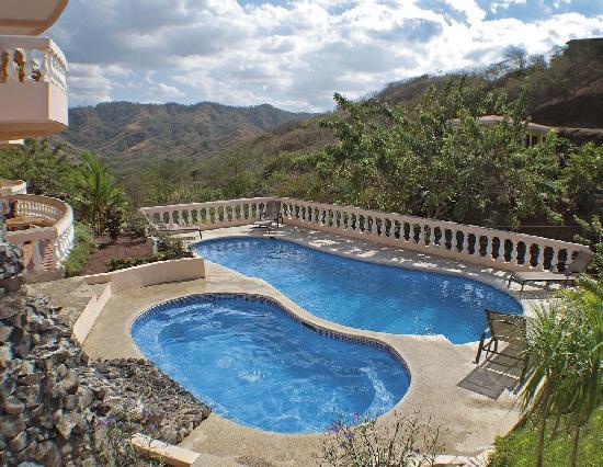 Apartamentos La Loma del Atardecer: swimming pool