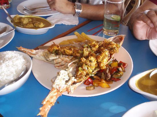 Santana Beach Resort: yummy lobster