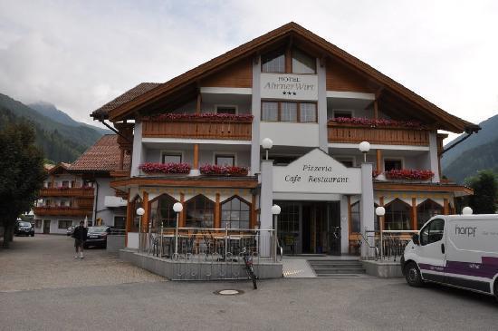 Hotel Ahrner Wirt: veduta frontale hotel