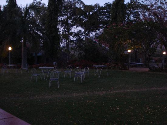 Ellora, India: Green lawn with outdoor dinner