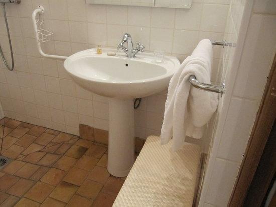 Hotel la Ferme des Vallées : salle de bain