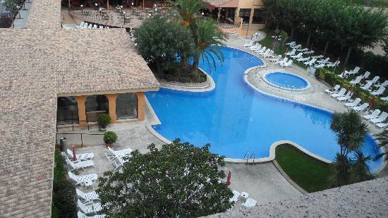 Hotel Luna Club : Blick auf den Pool