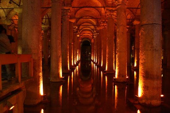 Cisterna Basílica: der Innenraum der Zisterne