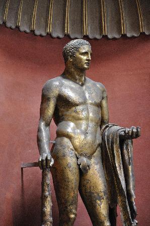 Real Rome Tours: Bronze statue of Hercules over 2,000 years old