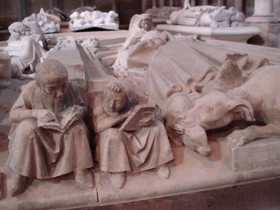 Basilica Cathedral of Saint-Denis: close-up of a tomb statue