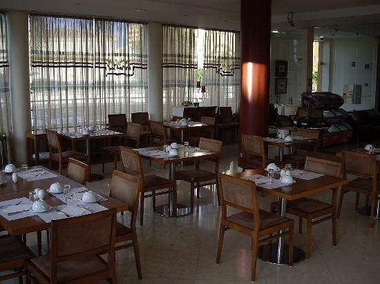 Hotel Praia Sol: The food court