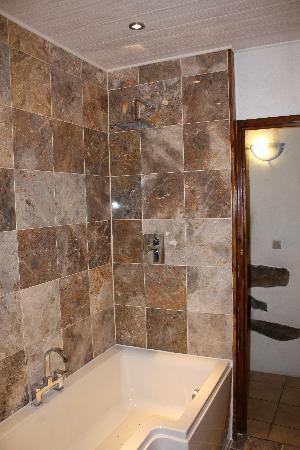 Alpine Ventures: Bathroom