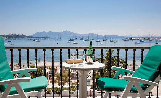 Sis Pins: Balcony Sea View