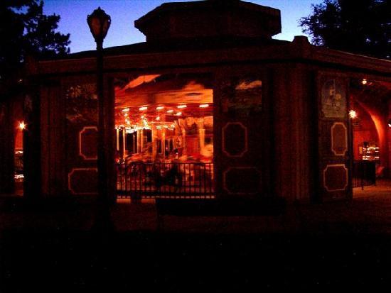 Pueblo, CO: City Park carousel