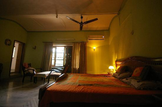Heritage Homestay: The other side of our room