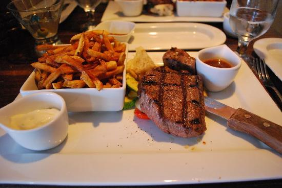 Le Grill Saint George's : Steak & Frites St-Georges. WOW!