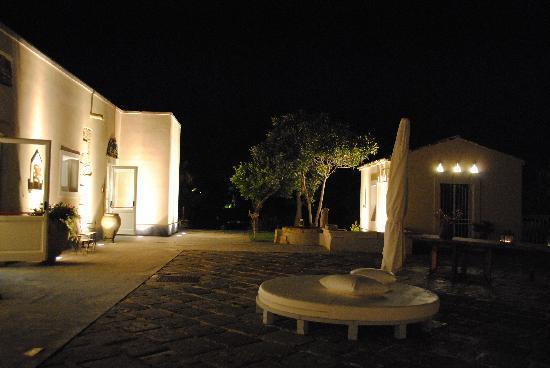 Hotel Borgo Pantano: Hotel di notte...