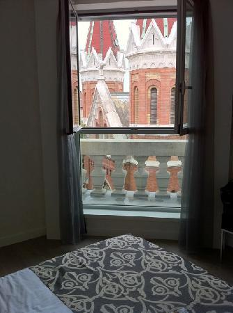 Hotel Palazzo Zichy: View of the church, room 508