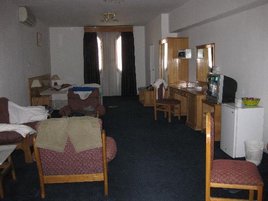 Sharjah Beach Hotel: Room