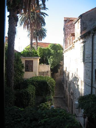 Saraca Apartments - Cathedral View & The Old Bakery: View from apartment window.