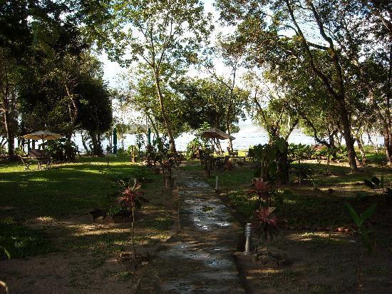 Tapuy Lodge : jardines del hotel
