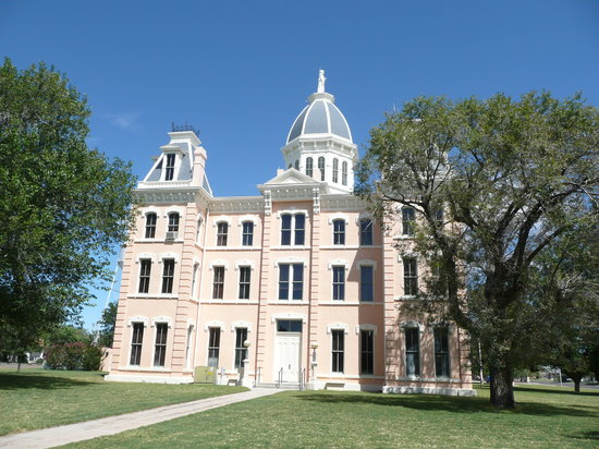 Marfa, TX: Presidio County Courthouse