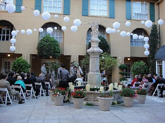 Lafayette Park Hotel & Spa: Fountain Courtyard at our wedding