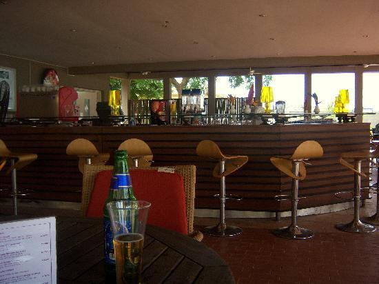 Golden Tulip Festac Lagos: The bar