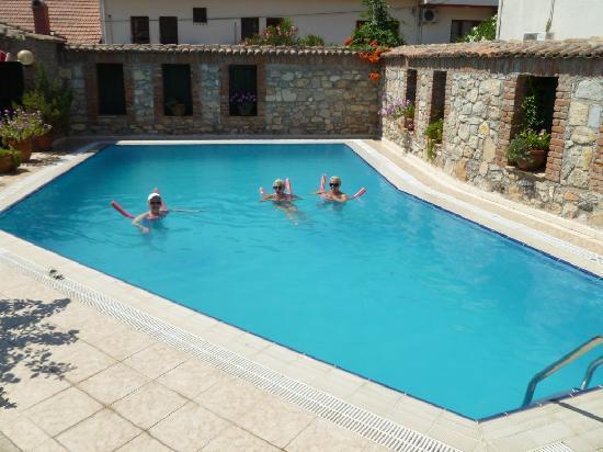Hotel Akay: Hotel Pool