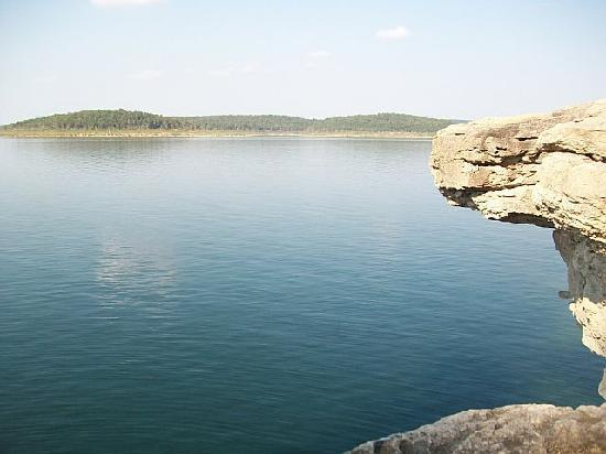 Rocky Hide-a-Way Cottages: Bull Shoals lake