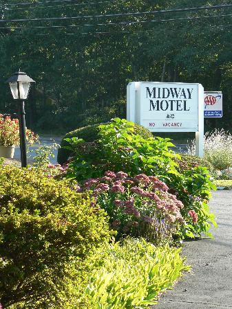 Midway Motel: What greets waery travelers
