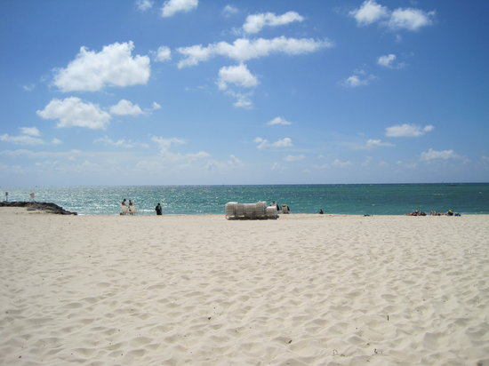 Freeport, Grand Bahama Island: Beach view-gorgeous!