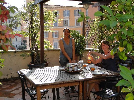 Annaluce Bed and Breakfast: Anna at the Terrace